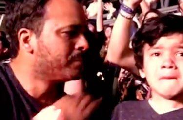 A reação de um garotinho autista ao ouvir sua música favorita do Coldplay