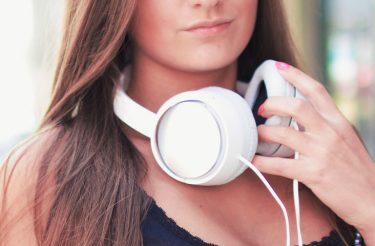 A ciência diz: Ouvir essa música reduz a ansiedade em até 65%!