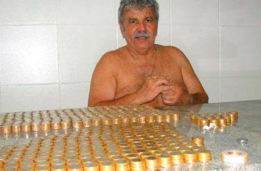 Homem para de fumar e com o dinheiro do cigarro ele viaja, reforma a casa e mais